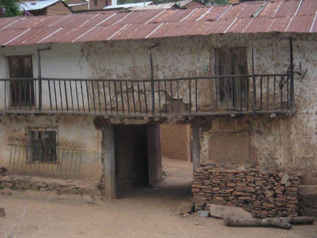 weitere Häuser aus dem Dorf